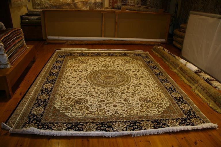 How Can You Remove Your Old Carpet Easily?