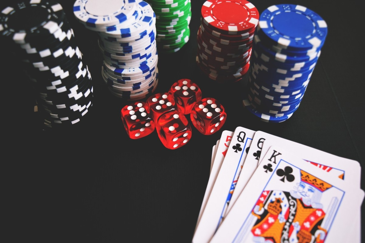 Online Casino Game- a stress buster in difficult phase