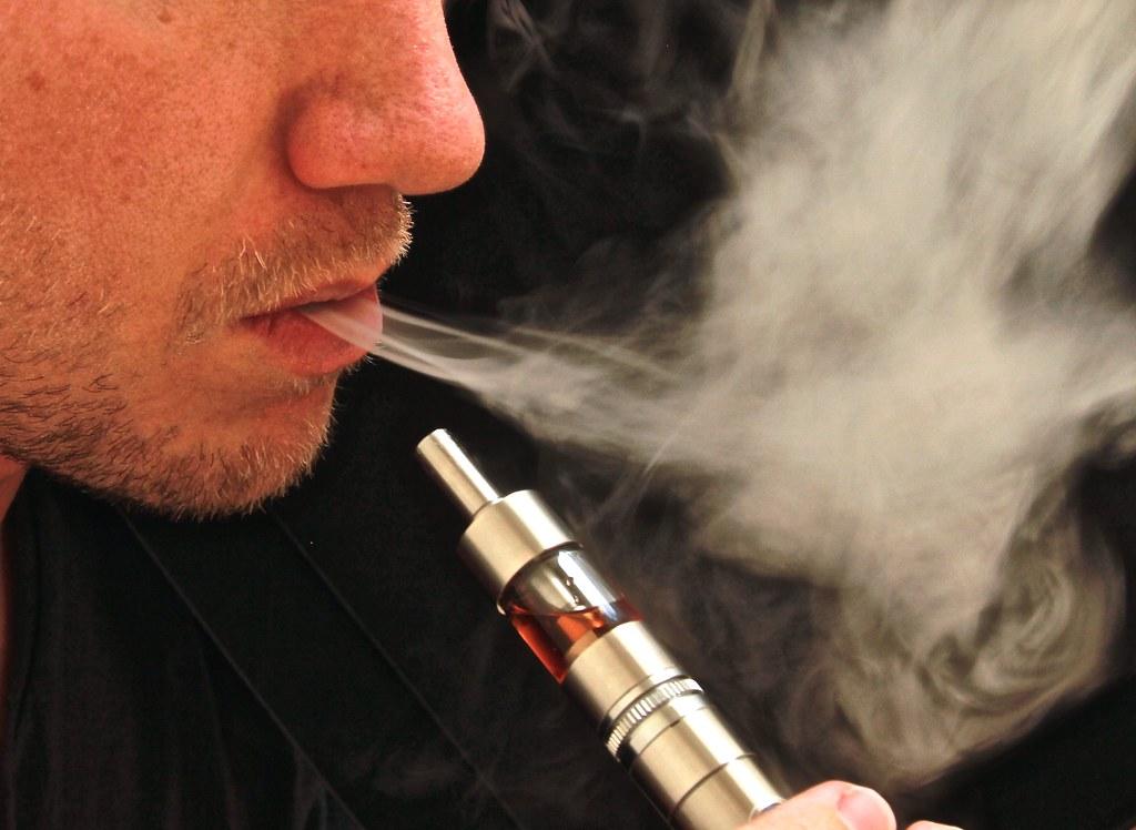Choosing Vaping Over Cigarette This 2021